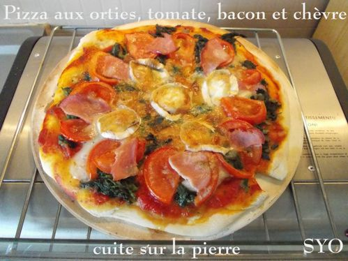 Pizza aux orties tomate bacon chevre-Mamigoz