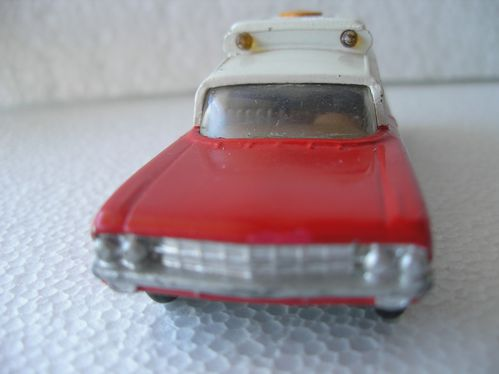 Ambulance - Gorgi Toys 004