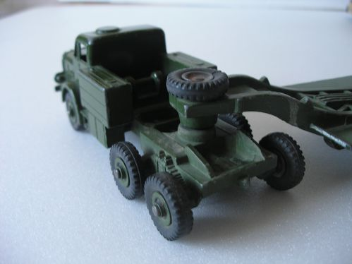 porte-char antar- dinky toys 005