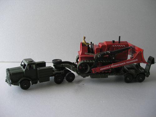 porte-char antar- dinky toys 013