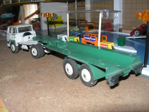camion unic citerne-dinky toys 002