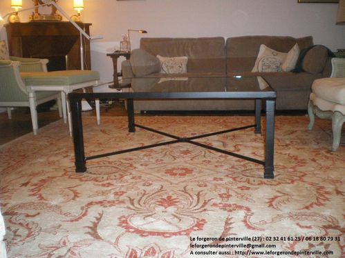 Table basse fer noir .