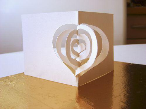 carte-voeux-saint-valentin-coeurs-papier-popup