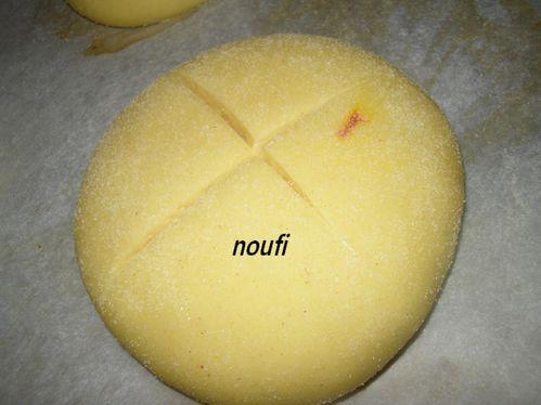 pain-au-pestile-de-safran.jpg
