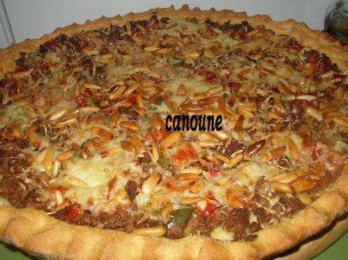 pizza-a-la-viande-hache-et-pignon-de-pin2.jpg