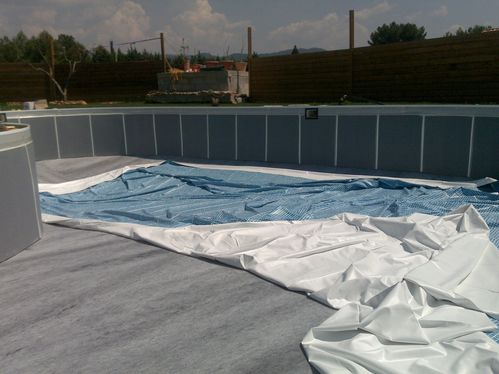 Pose du liner construction de ma piscine waterair for Pose de liner de piscine