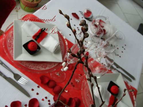 Passionn ment st valentin ma table en rouge et noir - Table de saint valentin ...