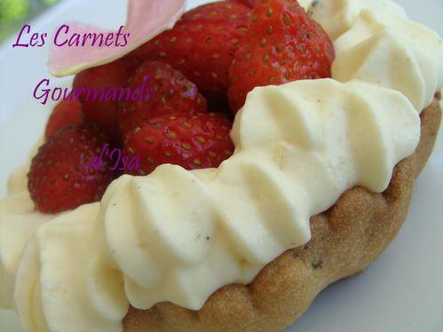 tartelette-mousse-ivoire-fraises-du-jardin.JPG