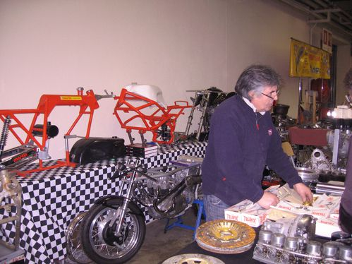 Salon-Moto-Legende-2011 4115