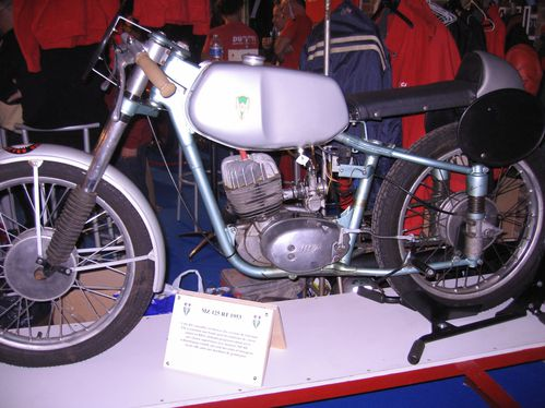 Salon-Moto-Legende-2011 4130
