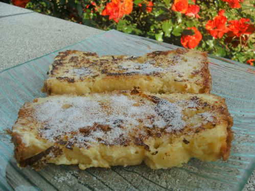 http://img.over-blog.com/500x374/3/01/91/28/dessert/brioche-perdue-sucre.jpg