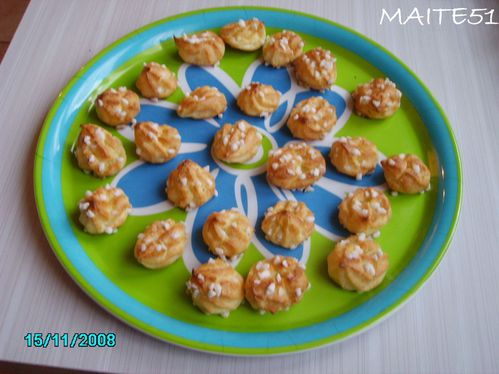 Chouquettes-canelees.JPG