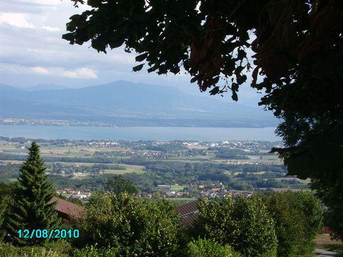 Vue-sur-le-lac-de-Geneve-au-dessus-de-Nyons.JPG