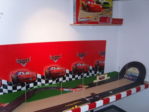 Chambre cars circuit cars circuit cars circuit cars for Decoration chambre cars