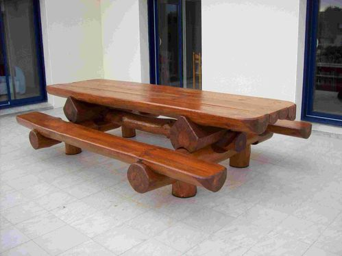Table bancs d 39 ext rieur en rondins pour 12 personnes for Table exterieur 3m