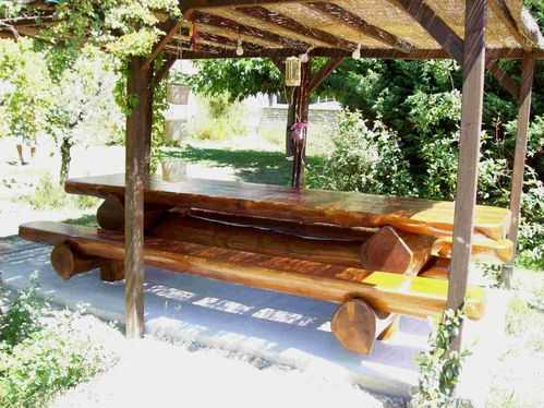 table de jardin rondins