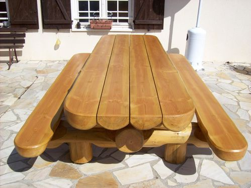 Table de jardin en bois massifs for Table exterieur 3 metres