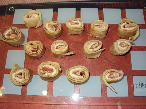 Bouchees-roulees-au-jambon-et-fromage--2-.JPG