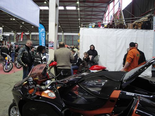 Garage montagut concessionnaire side bike garage for Salon limoges