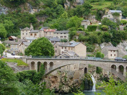 St-Chely-du-Tarn-Aveyron-border-copie-2.jpg