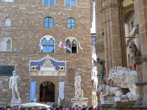 FlorenceFacade-du-Palazzo-Vecchio---Des-chefs-d-oeuvre.jpg