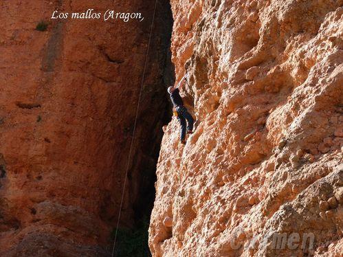 P1060674-borderLos-Mallos--Aragon-.jpg