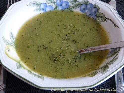 P1110209--2-soupe-poireaux-et-oseille-border-copie-1.jpg