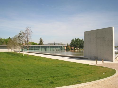 La Coste, Tadao Ando, centre d'art, 2011