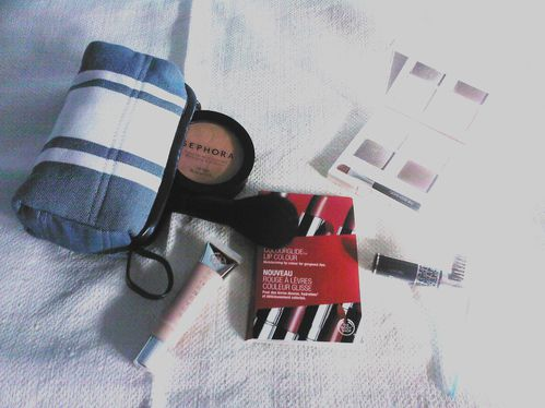 trousse-beaute-maquillage.jpg