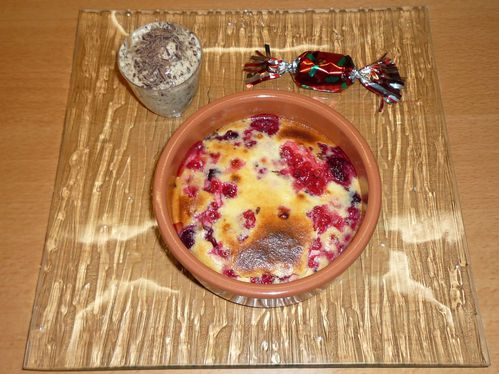 gratin-fruits-rouge-et-mousse-miel-chocolat.JPG