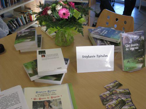 4 - 12 - 2010 6ème dédicace à la Médiathèque de Savign