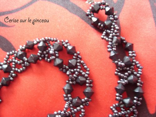collier-croise-zoom.jpg