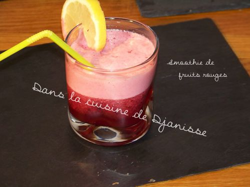 Smoothie fruits rouges citron