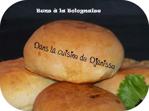 Buns à la bolognaise