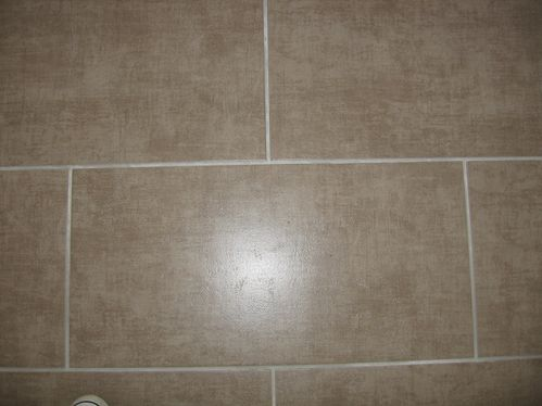 23 06 2012 carrelage fini r ception de la cuisine sdb et for Joint carrelage gris perle