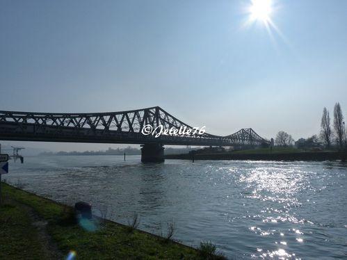 Rouen-Seine-05-border.jpg