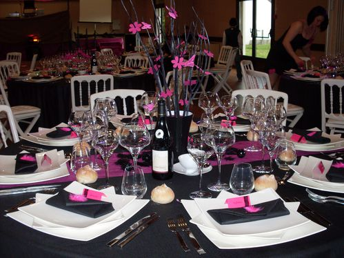 d co table noir rose du 5 mai 2012 le blog de lae deco mariage. Black Bedroom Furniture Sets. Home Design Ideas