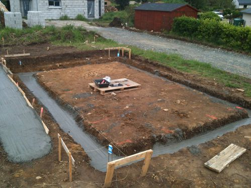 Construction garage terrassement et fondations le for Construction garage parpaing plan