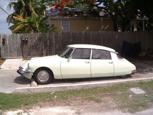 citroen-ds-key-west-road-1-floride-31-juillet-2004.JPG