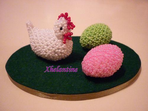poule et deux oeufs 3