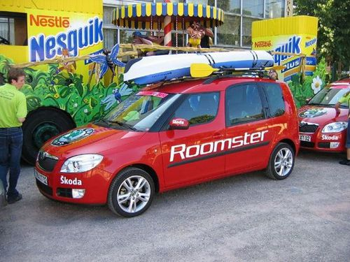 Collection de véhicules du Tour de France - Page 6 2006-Skoda-Roomster-Tour-de-France--103-