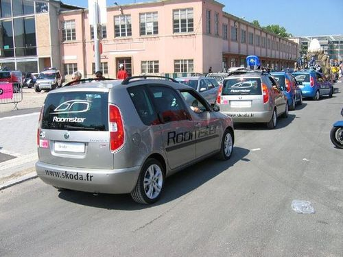 Collection de véhicules du Tour de France - Page 6 2006-Skoda-Roomster-Tour-de-France--111-