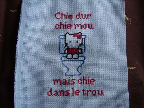 hello kitty brode par karinerdc