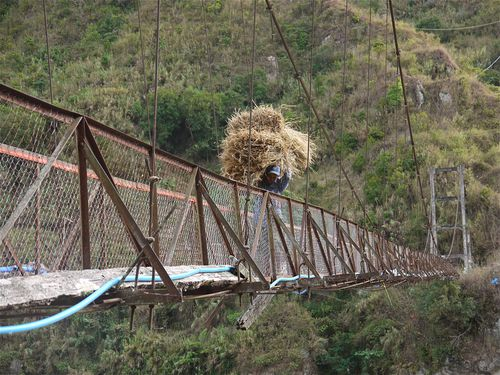 pont-suspendu-bontoc.jpg