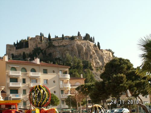 Cassis--le-chateau.JPG