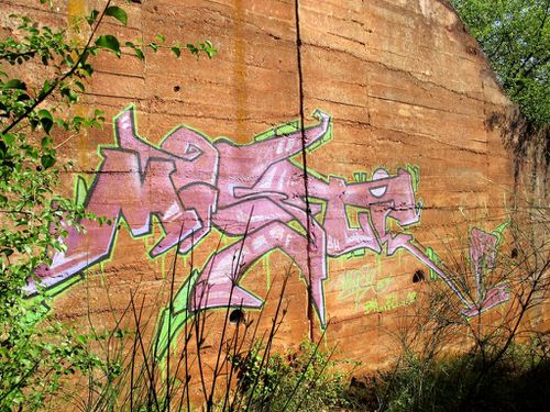 street-art tags campagne bauxite Bédarieux 7437