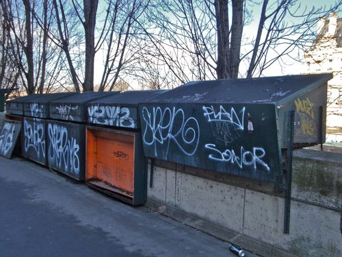 Seine bouquiniste tags