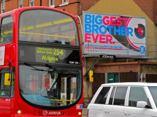 Londres Affiche Big Brother bus 6589
