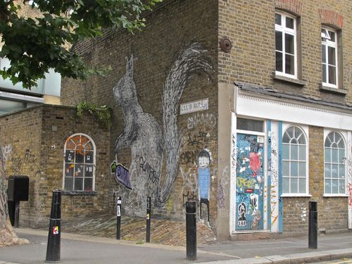 Londres street-art Hackney bestiaire cureuil Roa 4