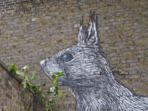 Londres street-art Hackney bestiaire cureuil Roa 6